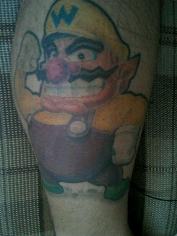 tatuagem do Fabiano gomes, que tem também uma tatuagem muito show dos personagens do ogo Castlevania.