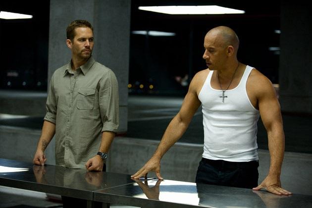Paul Walker e Vin Diesel em Velozes 6.